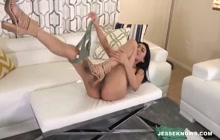 Asian babe with amazing body gives blowjob