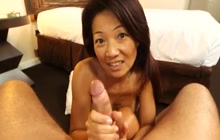 Filipina MILF Savannah assfucked